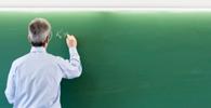 Professor de línguas sem registro no MEC consegue direitos dos registrados