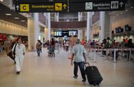 Empresa aérea indenizará por não prestar assistência adequada após cancelar voo
