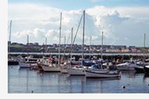 Empresa de turismo deve indenizar por acidente em embarcação marítima