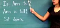 Instrutora de inglês pode integrar categoria de professores mesmo sem habilitação legal