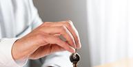 Imóvel hipotecado em favor de empresa pode ter garantia de bem de família