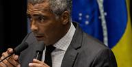"""Senador Romário propõe impedir penalização de atletas após """"Fora, Bolsonaro"""" de Carol Solberg"""