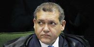 Nunes Marques adia julgamento de bloqueio de seguidores por Bolsonaro no Instagram