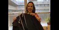 Juíza faz vídeo trocando vestido pela toga e viraliza nas redes sociais