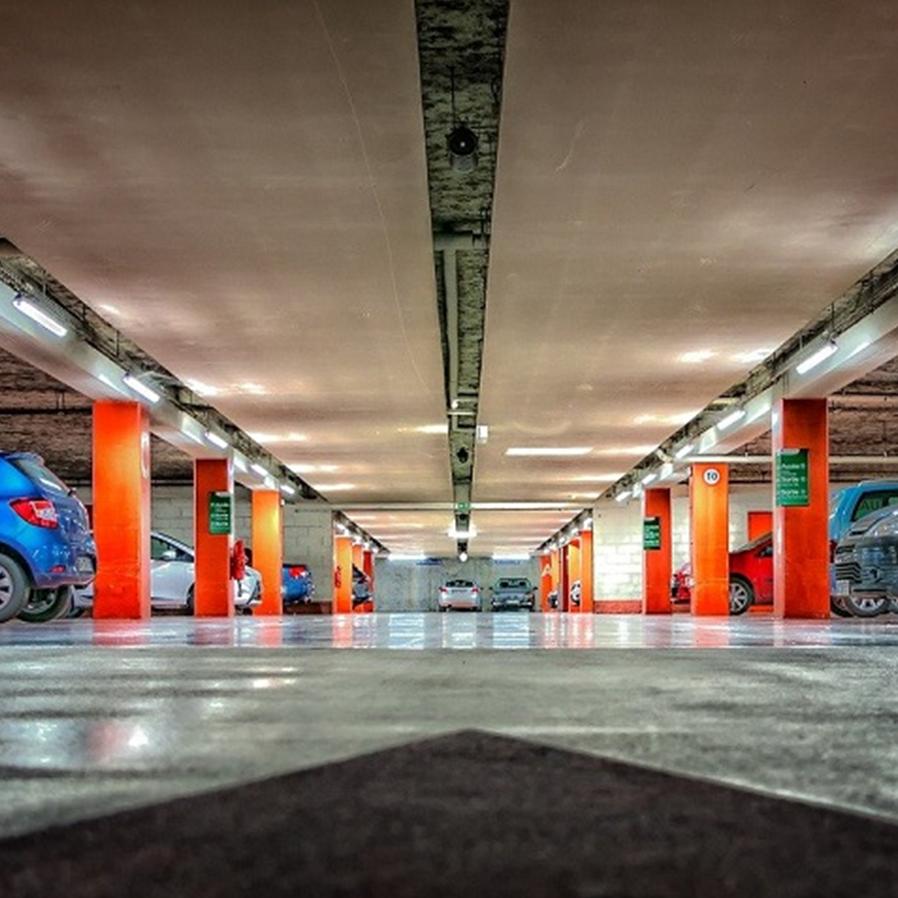 Lei do RJ que obriga shoppings a terem totens de estacionamento operados por pessoas é inconstitucional