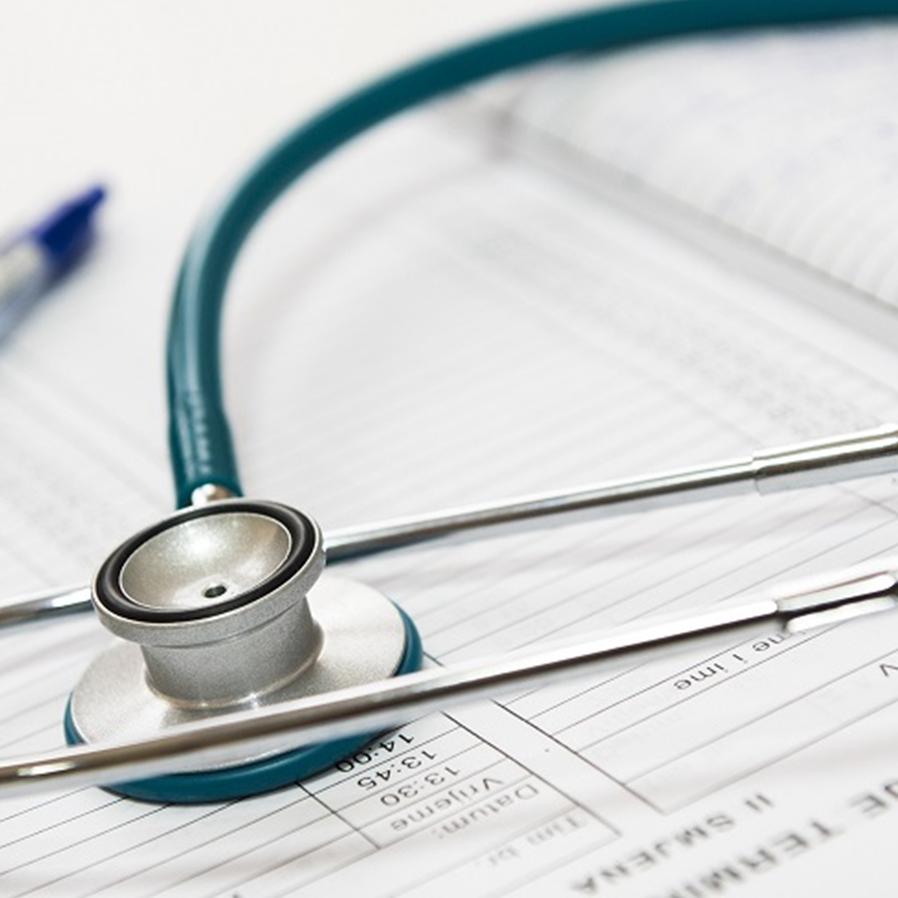 Paciente será indenizado por falta de médico especializado em hospital durante feriado