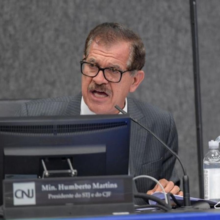 Humberto Martins requisita ao STJ inquérito sobre advogado suspeito de influenciar a Lava Jato