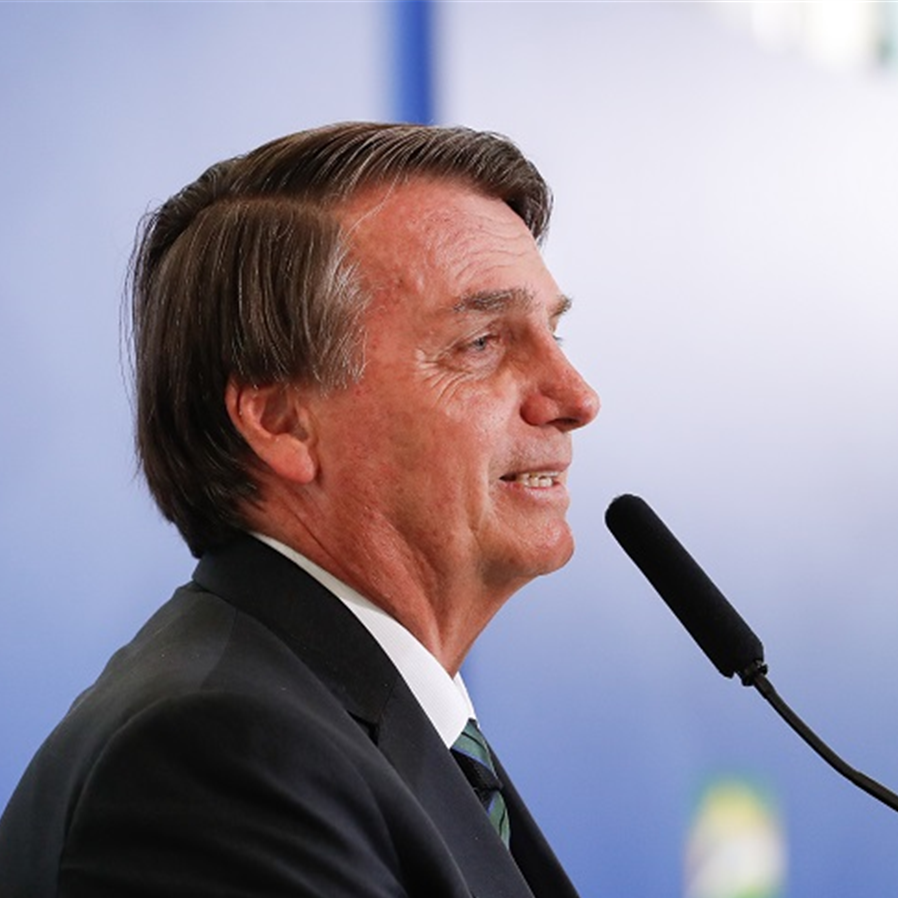 Bolsonaro sanciona LDO e veta dispositivo que impedia bloqueio de gastos com vacina