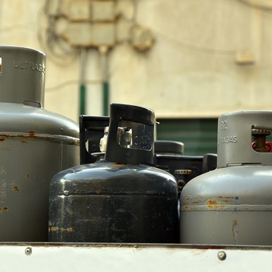 Humberto Martins suspende ação penal contra homem condenado por roubar botijão de gás usado