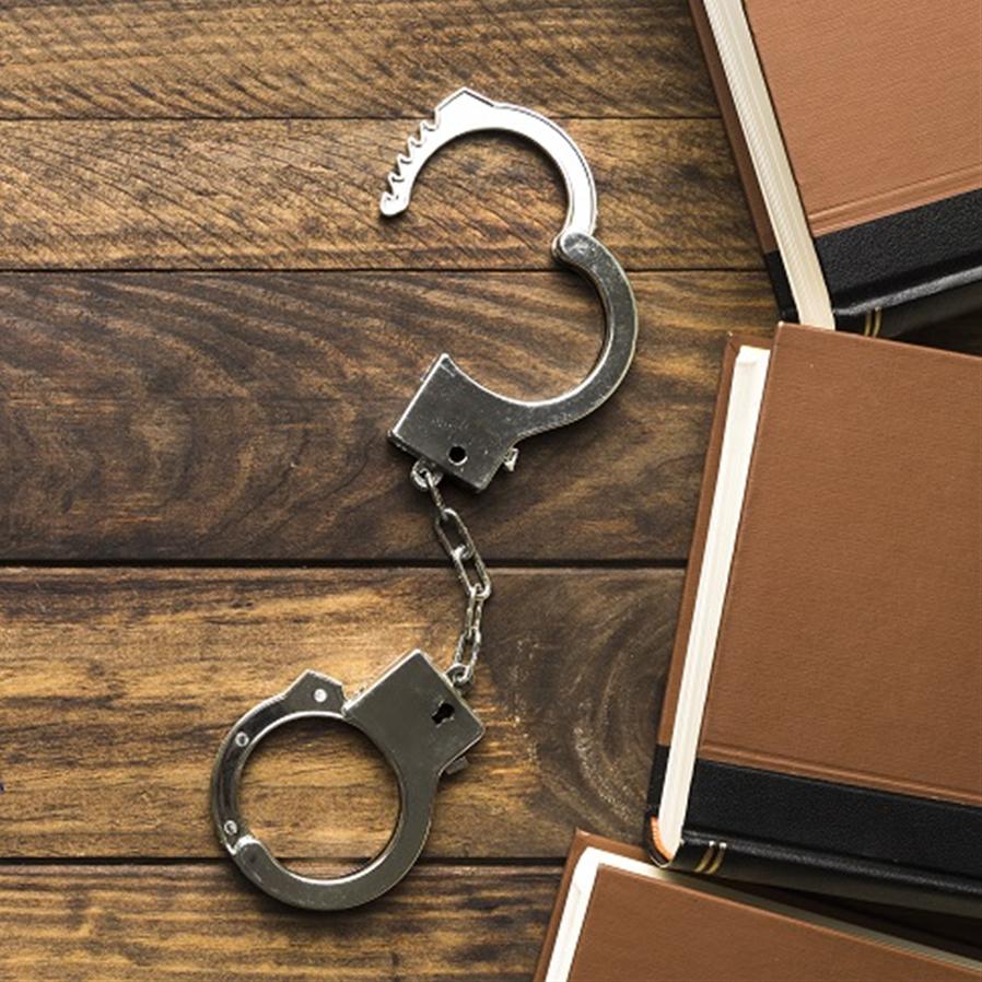 Homem que compartilhou pornografia infantil deve cumprir pena em regime fechado