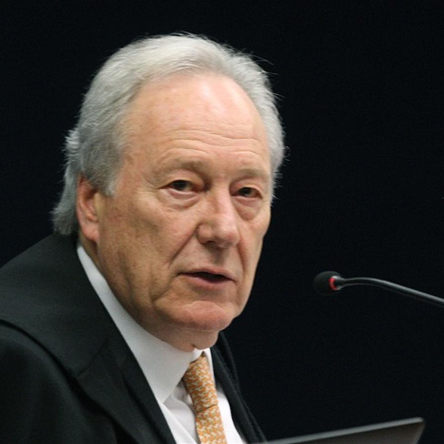Lewandowski determina que Anvisa informe sobre uso emergencial da Sputnik V