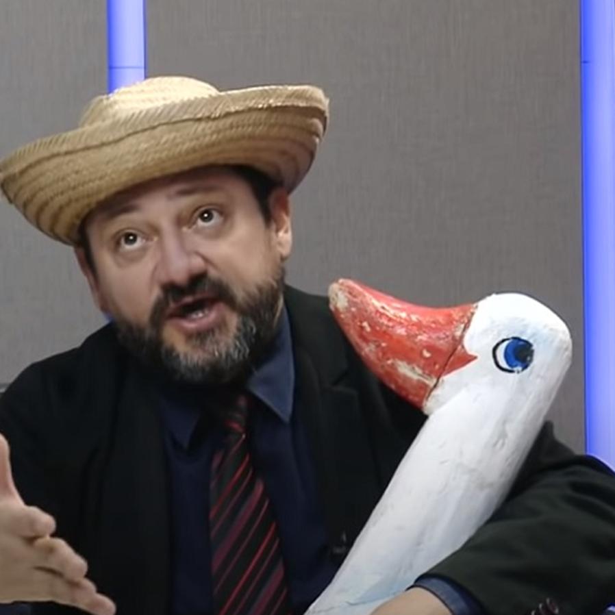 """Juiz criador do personagem """"Epaminondas Gustavo"""" morre de covid-19"""