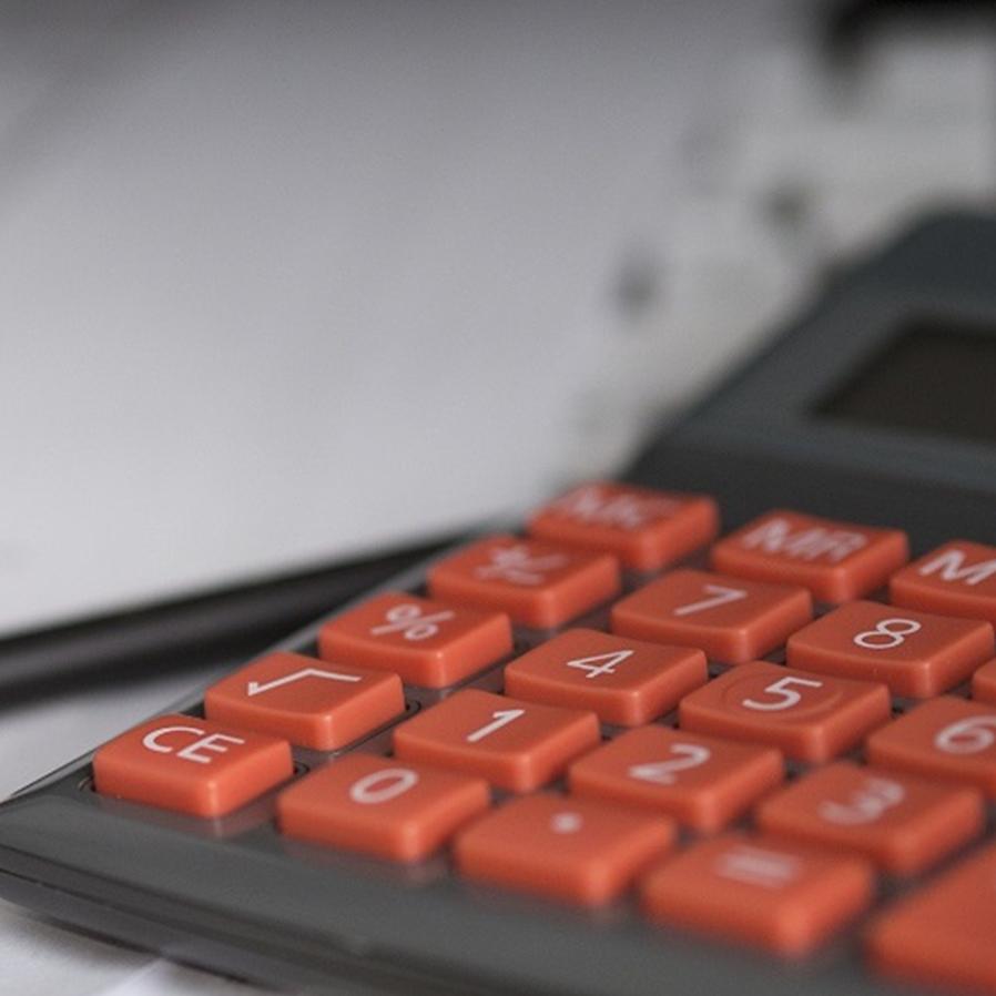 Justiça reconhece abusividade de juros de 1.200% ao ano em empréstimo