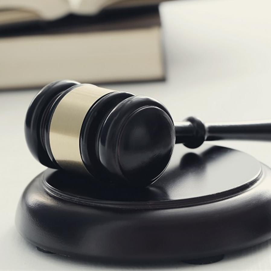 STJ absolve homem que pagou para não ser autuado
