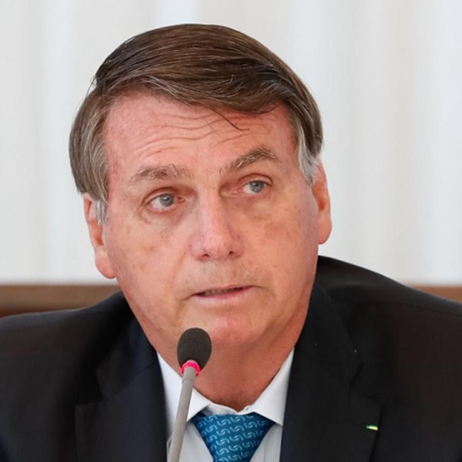 Ex-procuradores acionam PGR contra Bolsonaro por crimes na pandemia