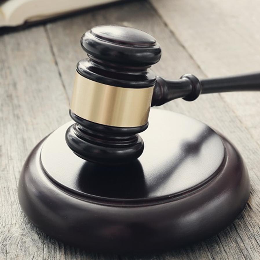 """Advogado é condenado por chamar parte contrária de """"golpista"""""""