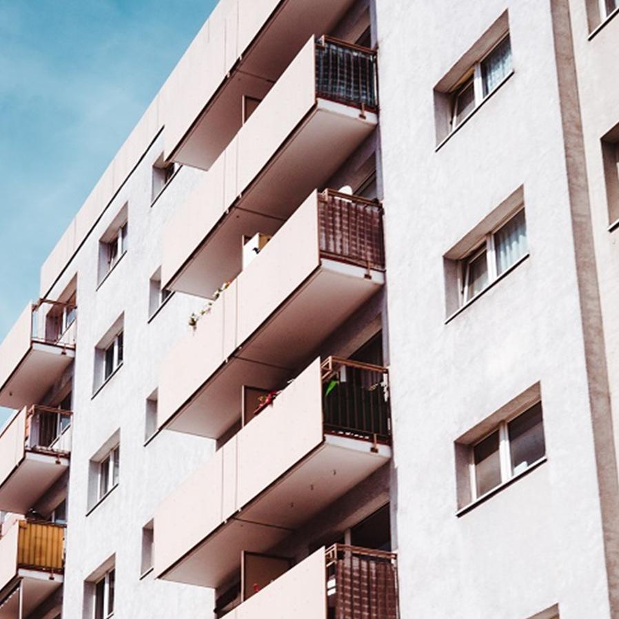 Condomínio não pode expulsar moradora por comportamento antissocial