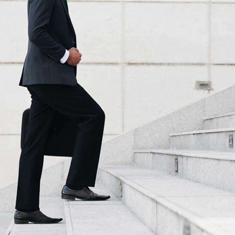 TJ/RJ libera advogados do uso de terno e gravata até 20 de março