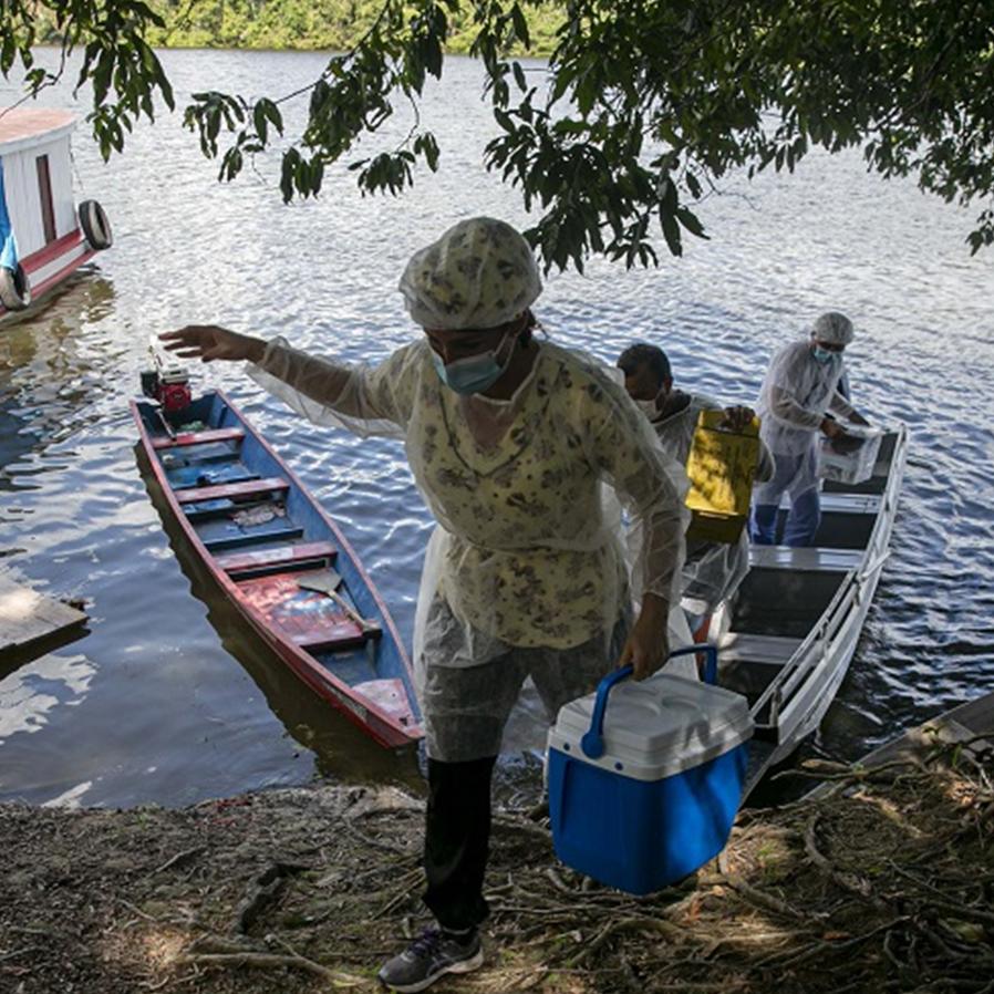 Governo deve viabilizar vacinação prioritária de quilombolas, vota decano
