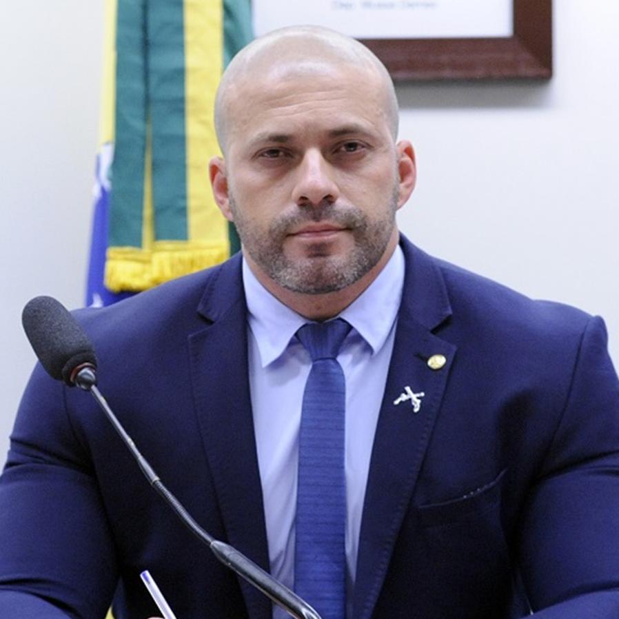 PGR pede que Daniel Silveira use tornozeleira e fique longe do STF