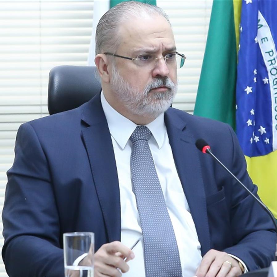 Aras defende sistema acusatório e designa membro para inquérito no STJ