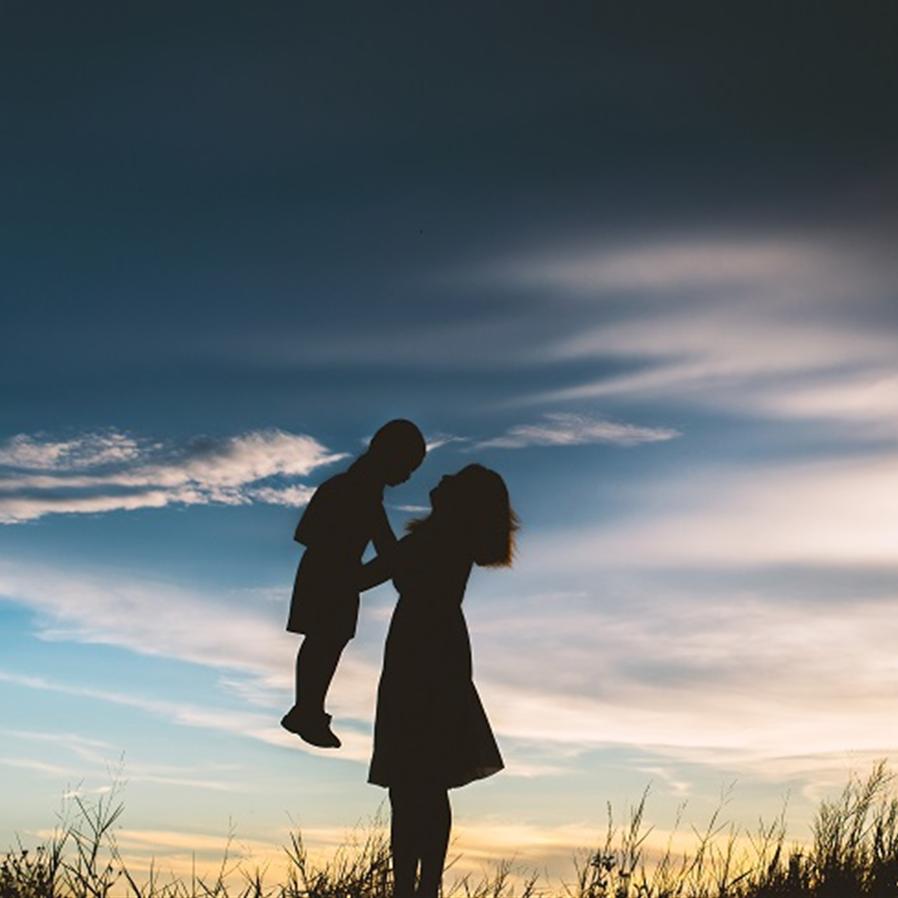 Mãe que faltou do serviço para cuidar de filho autista é reintegrada