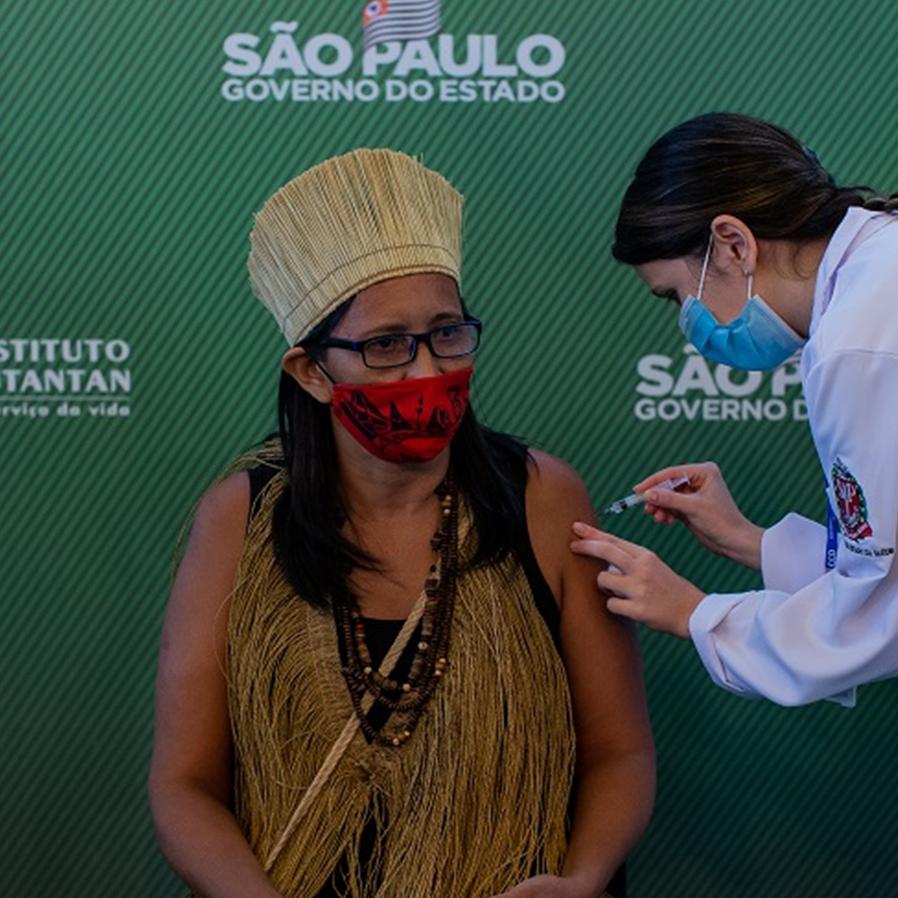 Barroso aceita parte de plano do governo contra covid entre indígenas