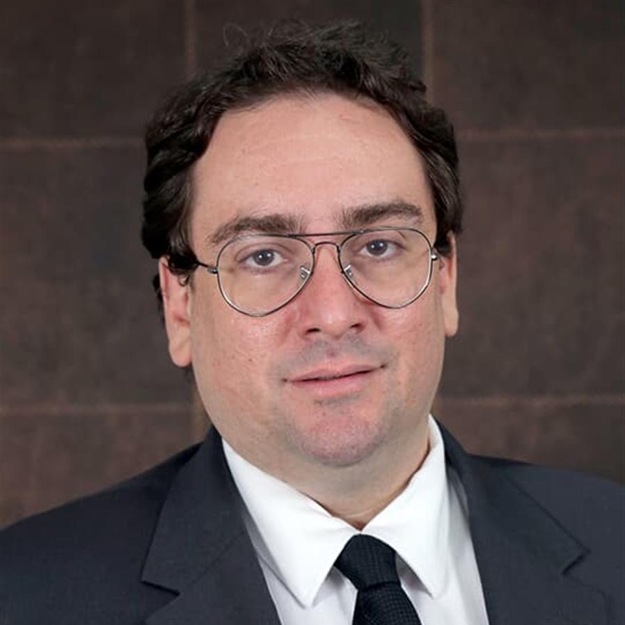 Fernando Capano defende tese de Doutorado e recebe recomendação para publicação