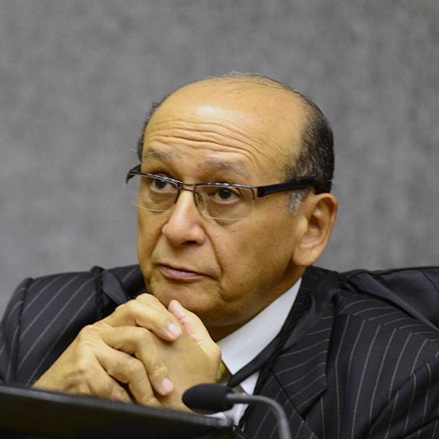 STJ aprova convocação de Olindo de Menezes para vaga de Nefi
