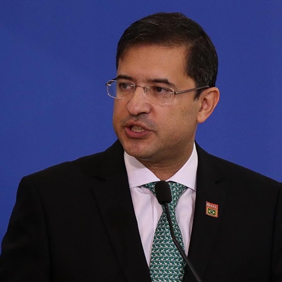 AGU José Levi pede exoneração do cargo