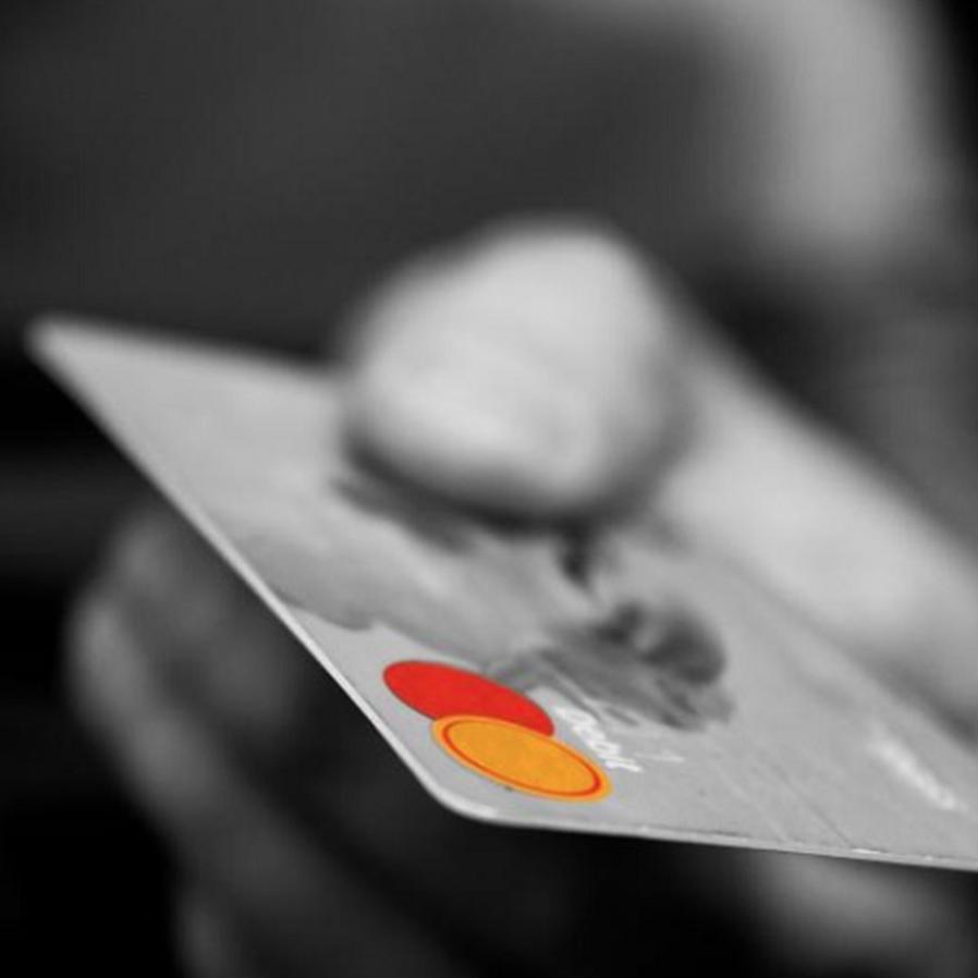 Bancos devem cessar desconto de consignado em benefício de homem