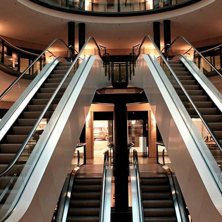 Fechados pela pandemia, shoppings investem em protocolos sanitários