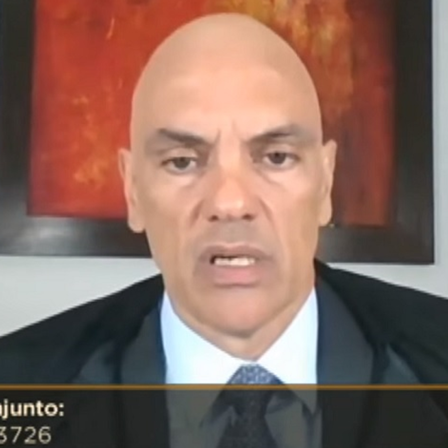 """Moraes explica """"demora"""" do caso Lula no STF: """"Judiciário é pirâmide"""""""