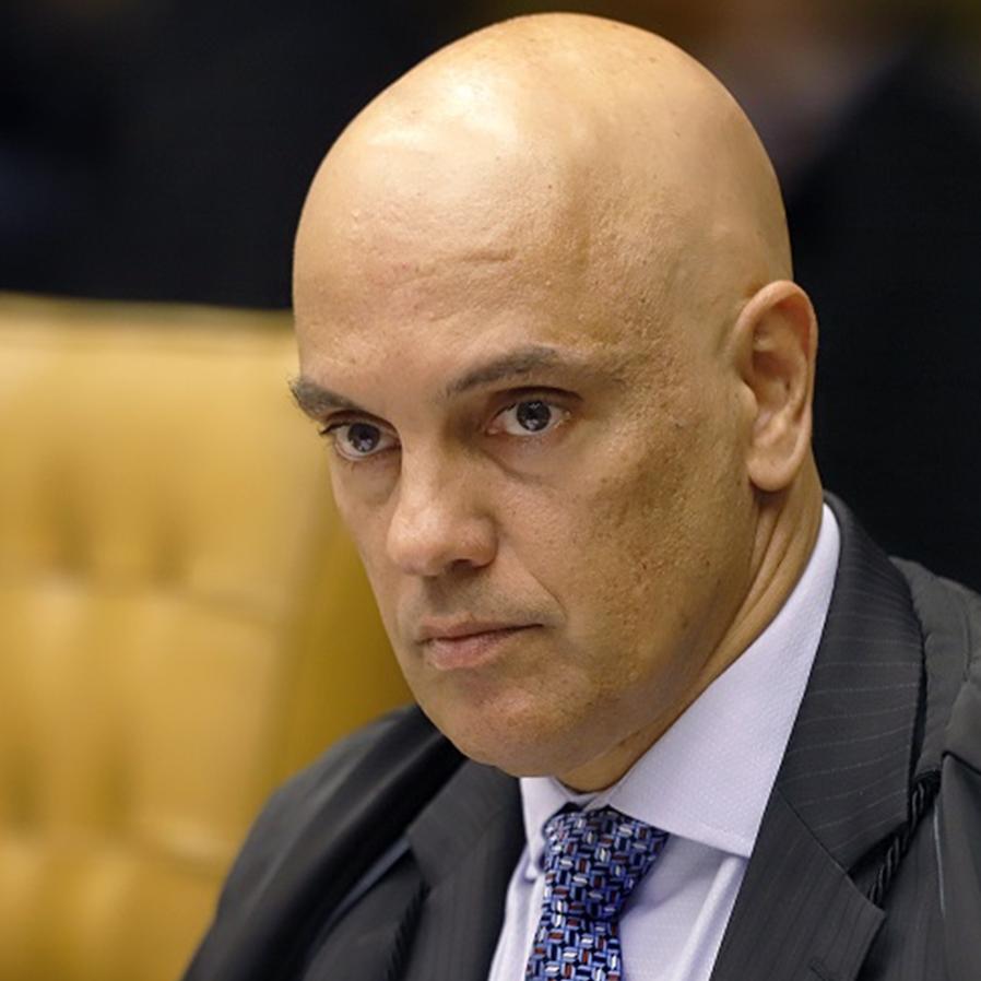 Pedido de vista de Moraes suspende julgamento sobre armas