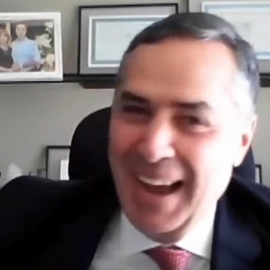 """Assistente Siri responde Barroso durante voto: """"é o que eu pensei"""""""