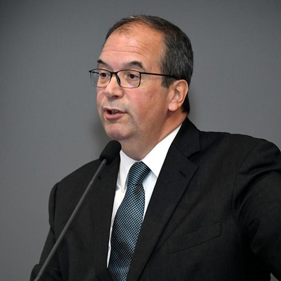 É apenas boato a notícia de que ministro Cueva irá se aposentar do STJ