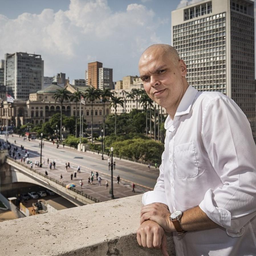 Morre prefeito de SP Bruno Covas, antigo aluno das Arcadas