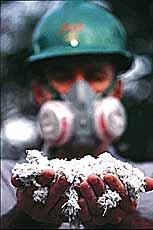 Debatedores criticam propostas que proíbem o uso do amianto