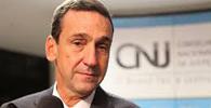 Ministro Francisco Falcão é homenageado em última sessão no CNJ