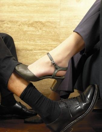 Esposa infiel com autonomia financeira deve afastar-se do lar