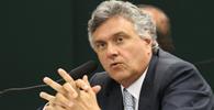 Senador Ronaldo Caiado será indenizado em R$ 1,5 mi por citação em livro