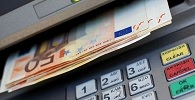 Banco indenizará cliente por saques indevidos em poupança