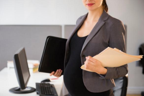 CCJ do Senado aprova PL que prevê suspensão de prazos para advogadas que derem à luz