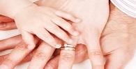 Mulher terá nomes dos pais biológico e adotivo na certidão de nascimento