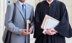 Advogado é condenado por chamar juiz de confuso, arrogante e covarde