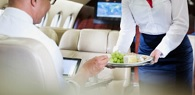 Companhia aérea indenizará passageiro por não servir refeição especial