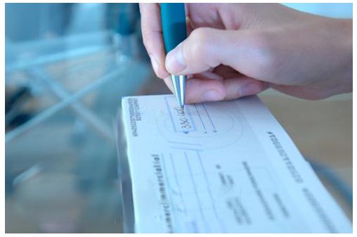 TJ/SC - Condenada empresa que descontou cheque antes do prazo pactuado com cliente