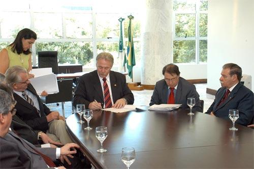Lei do Orçamento/2011; TJ/PR; Presidente; Solenidade