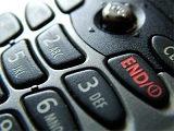 TJ/RS - Consumidor que teve o celular bloqueado será indenizado por danos morais