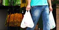 Lei que proíbe sacolas plásticas na cidade de SP é regulamentada